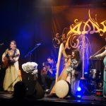 Adas auf der Bühne